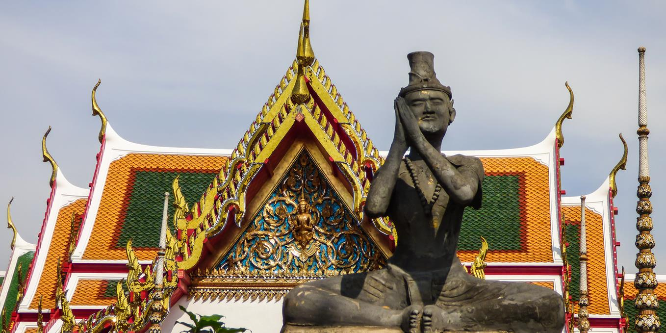 Reusi Datton statue at the Wat Pho temple grounds in Bangkok