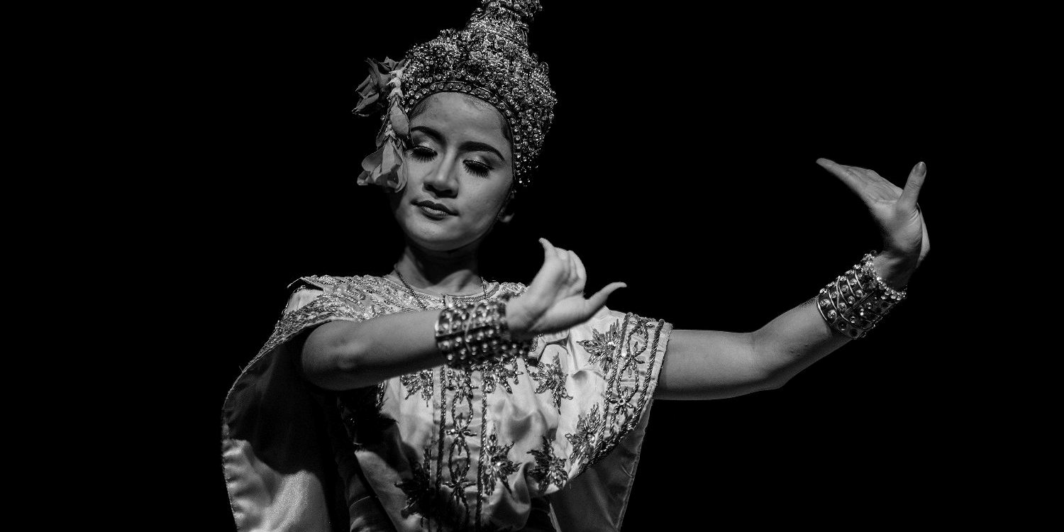 Thailand's Traditional Thai Dance Performance Art