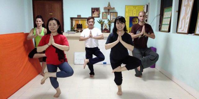 Ruesi Datton Thai Yoga training